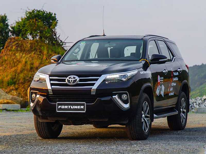 Fortuner (5-seater)